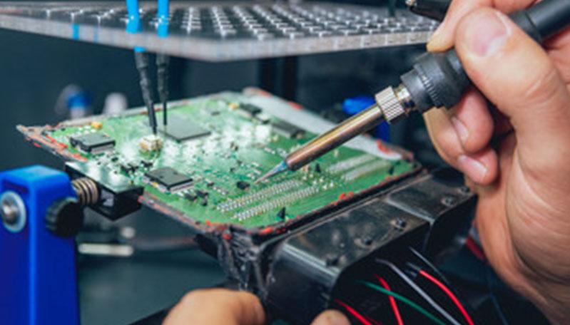 repairing-circuit-board